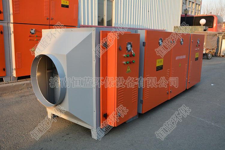 图为注塑机废气处理设备中的低温等离子设备