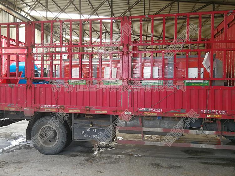 2万风量光氧催化设备装车发货